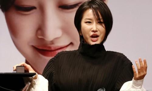 """[연합뉴스] 'DG 앨범 첫 한국곡' 소프라노 박혜상 """"경계 허물고 싶었다"""""""