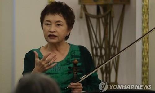 [연합뉴스] 정경화 왼쪽 손가락 부상…1주일 앞둔 통영국제음악제 무대 취소