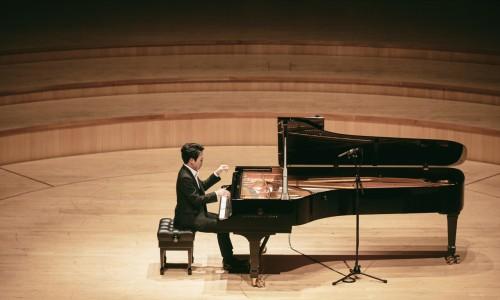 [헤럴드경제] 코리안챔버오케스트라·피아니스트 신창용과 협연